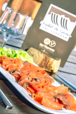 Assiette de saumon fumé - Chalet de Caron